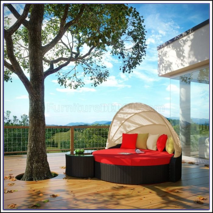 Deluxe Patio Swing Daybed With Canopy