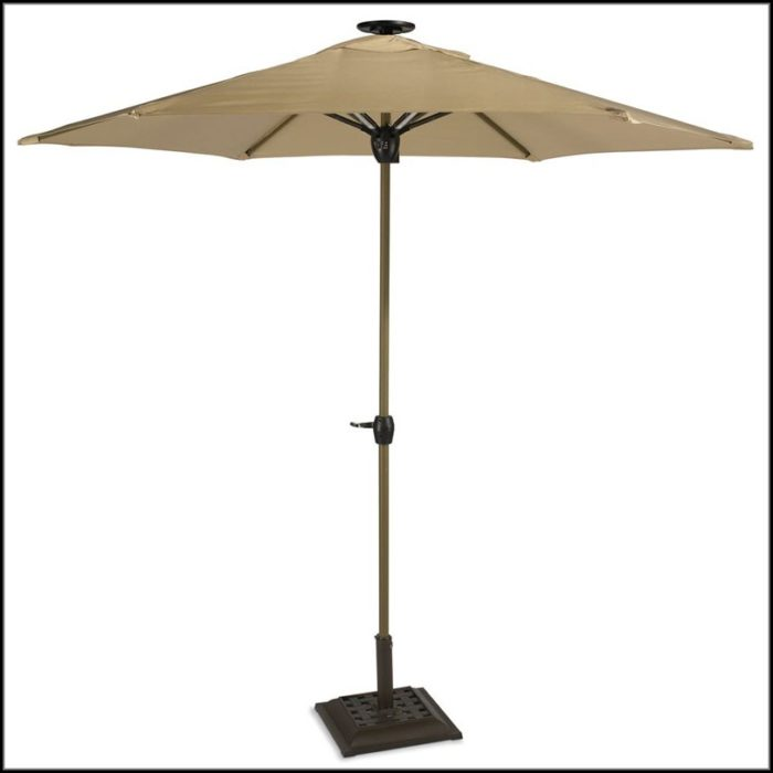 Lighted Patio Umbrella Solar