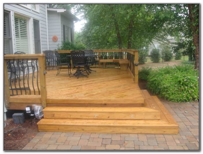 Build A Wooden Deck Railing