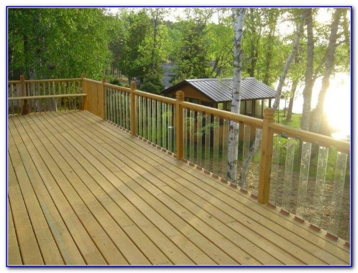 Cedar And Glass Deck Railing