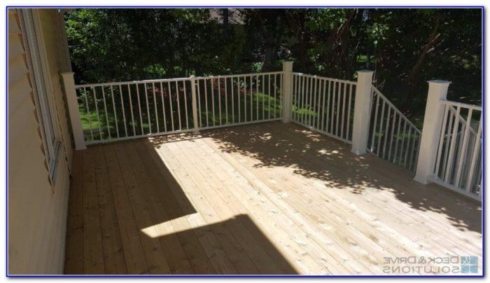 Cedar Deck White Railing
