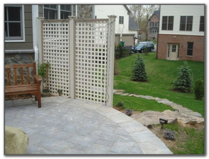 Lattice Privacy Screen For Decks
