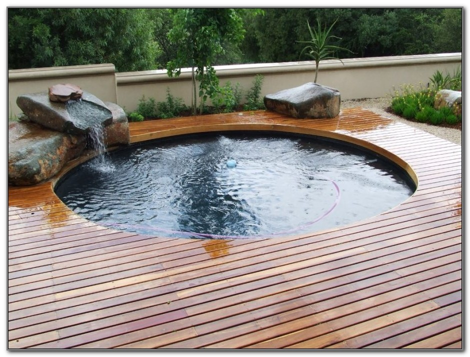 Round Swimming Pool Deck Designs