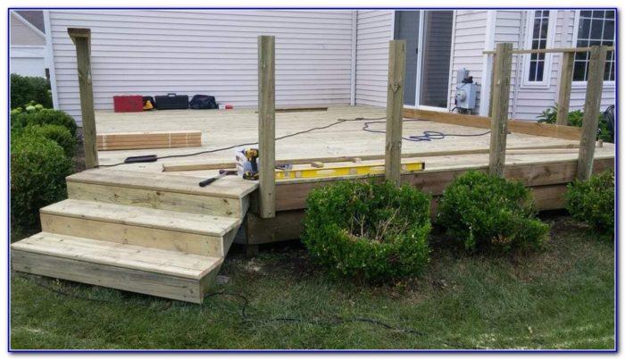 Trex Deck With Cedar Railing