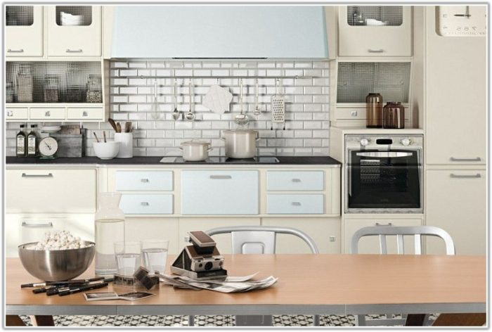 Old Style Kitchen Wall Tiles