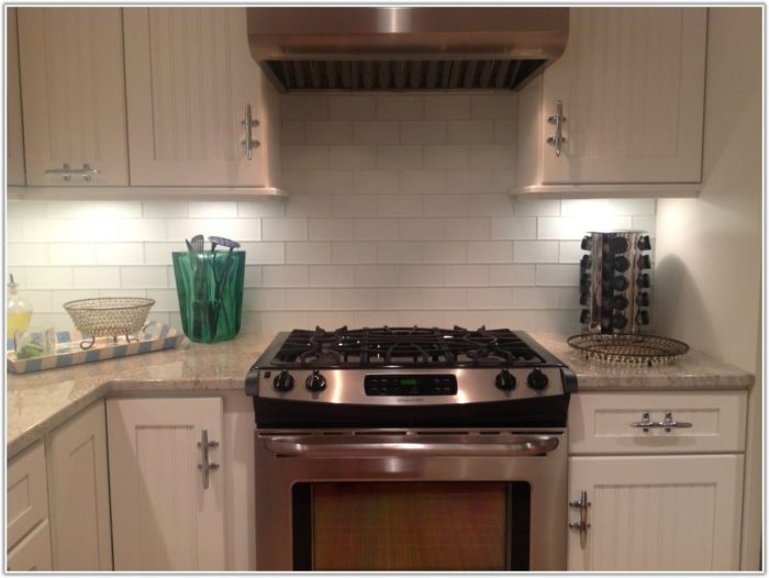 Pictures Of Glass Subway Tile Kitchen Backsplash