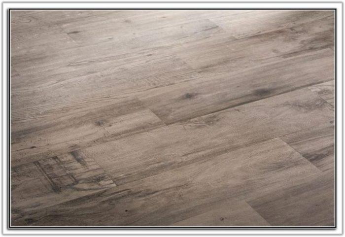 Tile With Wood Grain Look