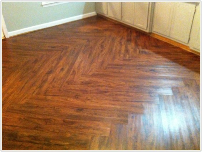 Wood Effect Vinyl Floor Tiles