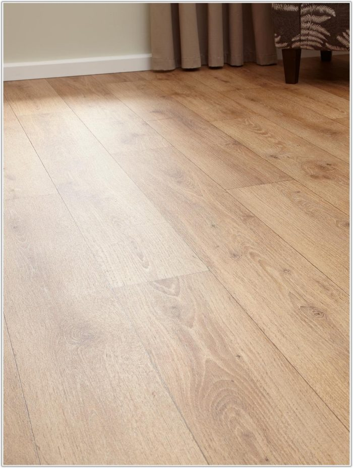 Wood Effect Vinyl Floor Tiles Uk