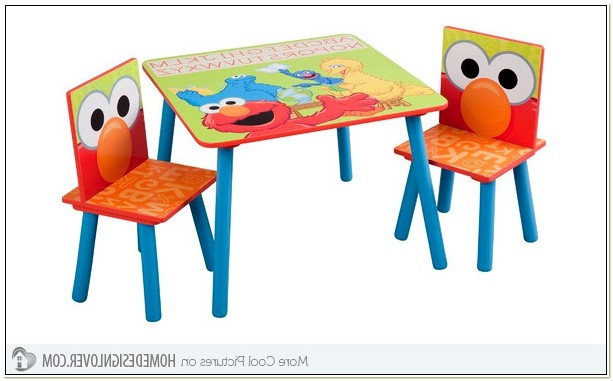 123 Elmo Table And Chairs Set