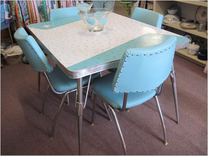1950 Formica Table And Chairs