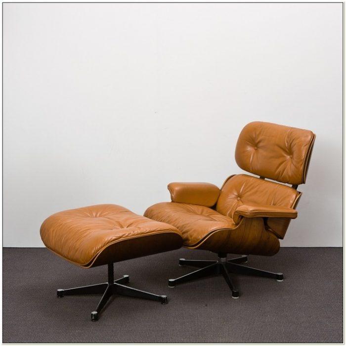 Charles Eames Lounge Chair 670