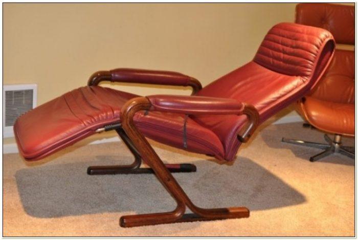 Portal Zero Gravity Lounge Chair