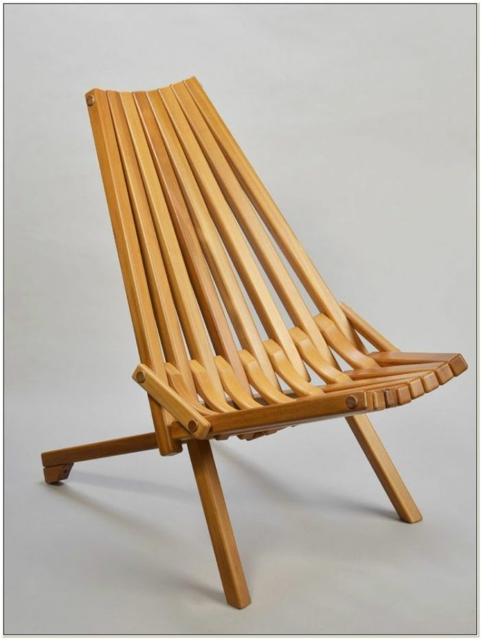 Wooden Slat Folding Chairs