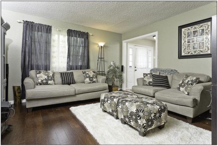 Dark Paint Colors For Living Room